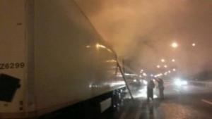 Под Киевом сгорел грузовик «Новой почты» с посылками из Харькова