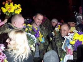 Ротацию защитников Донецкого аэропорта приостановят, - Лысенко
