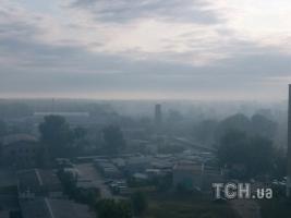 Дарницу в Киеве затянуло дымом из-за пожара в лесу