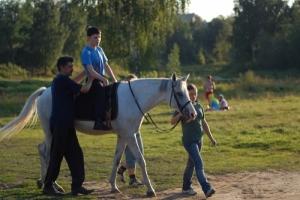 В Николаеве бойцов АТО лечат общением с лошадью