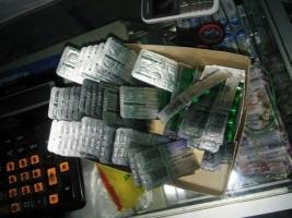 Одесские активисты «накрыли» аптеку, сбывающую наркоманам запрещенные лекарства