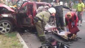 В Донецке взорвалась машина с женщиной за рулем