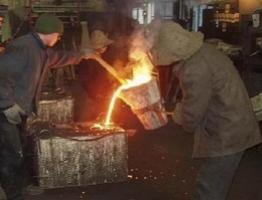 Из-за войны в Украине остановлено 25% промышленного потенциала - Порошенко
