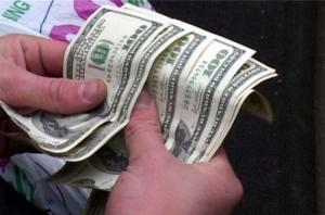 В Николаеве мужчина перечислил мошенникам 3 тыс. долларов