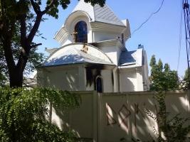 В Николаеве пытались сжечь два православных храма