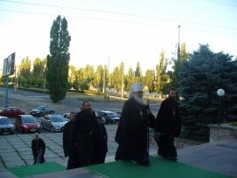 Пострадавшие из дома по ул. Лазурной получили помощь от прихожан Украинской православной церкви