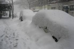 Из-за снега перекрыли трассу