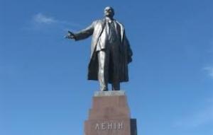 Плошадь Свободы в Харькове осталась без Ленина