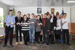 В Николаеве первые школьники получили ID-паспорта