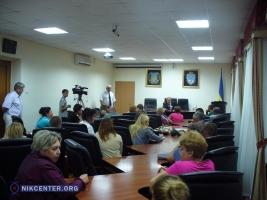 Жены и матери николаевских десантников требуют ротации у министра обороны