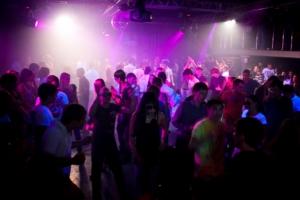 В Херсоне будут призывать в армию безработных и завсегдатаев ночных клубов