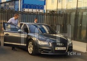Сын беглого Януковича приехал в Крым, чтобы разрешить спор с наследством