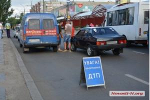 В Николаеве  произошло очередное ДТП с участием микроавтобуса