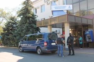 Генпрокуратура вместе с Нацполицией проводят обыски в Николаевском морпорту