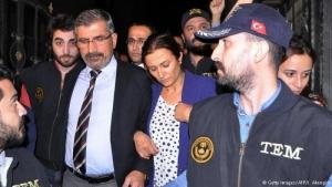 В Турции во время пресс-конференции убит известный курдский адвокат