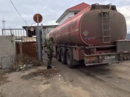 С Одесского НПЗ вывозят арестованное топливо уже бензовозами