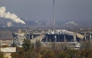 Из-за очередных атак сепаратистов, силовики покинули старый терминал аэропорта Донецка, есть погибшие