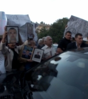 В Донецке побили машину, в которой сидели Кучма с Шуфричем