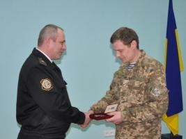 Николаевского морпеха, оборонявшего Широкино, наградили медалью