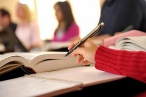 В украинских школах отменят выпускные экзамены