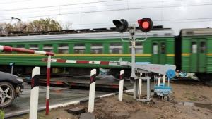 На железнодорожном переезде в Одессе поезд сбил пенсионерку