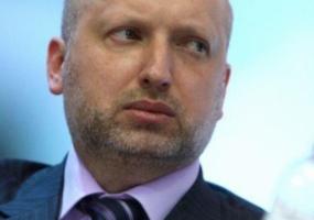 Турчинов не советует жителям Донбасса брать деньги у боевиков