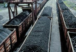 Россия приостановила поставку угля в Украину