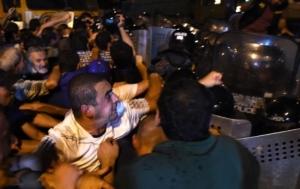 В ходе разгона демонстрантов акции протеста в Ереване пострадали 60 человек