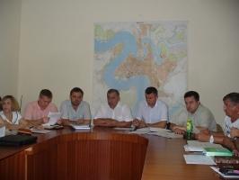 Сосновая роща возле Маяка в Корабельном районе г. Николаева вырубается потому, что в свое время не была признана рекреационной зоной