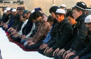 Крымским мусульманам хотят запретить... молиться