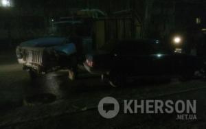 В Херсоне произошло тройное ДТП с участием мусоровоза, есть пострадавшие