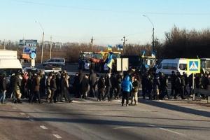 Протестующие судостроители разблокировали трассу «Николаев-Одесса»