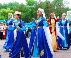 Крымские татары проигнорировали праздник, организованный для них россиянами