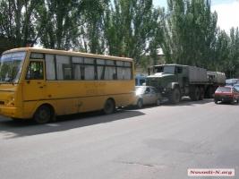 Прокуратура Николаевского гарнизона расследует ДТП с участием армейских грузовиков