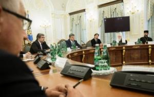 Порошенко призывает к созданию единой православной церкви в Украине