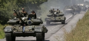На севере Крыма к границам Херсонской области движется колонна российских БТР