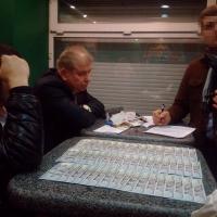 При обысках у пойманного на взятке судьи Высшего хозсуда нашли долговые расписки на сотни тысяч долларов