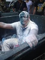 Депутата Одесского горсовета закинули в мусорный бак