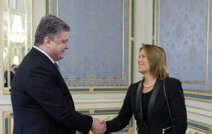 Порошенко и замгенсека ООН обсудили ситуацию на Донбассе