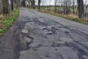 Накануне возможных перевыборов городская власть Херсона обратила внимание на «убитые» дороги