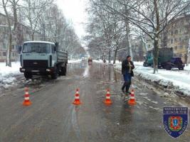 В Одессе прорвало водопровод. Полиция перекрыла движение на аварийном участке (ФОТО)