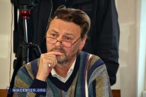 Херсонский эпатажный журналист пытался спровоцировать главу облсовета на антигосударственную риторику. ВИДЕО