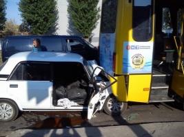В Одессе пьяный водитель врезался в маршрутку