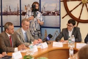 Министр инфраструктуры пообещал возродить херсонкие порты с помощью инвестров