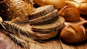 Одесский хлебзавод не может доставить в магазины хлеб из-за брошенных авто