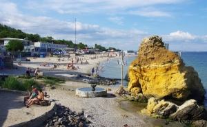 Участок популярного одесского пляжа отделяют турникетом: вход будет платным