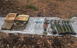 В Луганской области изъяли арсенал оружия, которым террористы планировали обстреливать избиркомы