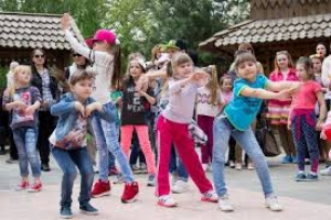 Клуб Pasadena пригласил николаевцев в «Сказку» на бесплатные уроки танцев (ВИДЕО)