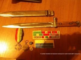 Из Херсонщины в Крым пытались вывезти наркотики, раритетные награды и оружие