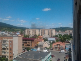 Вооруженные люди в Мукачево открыли огонь. Есть жертвы